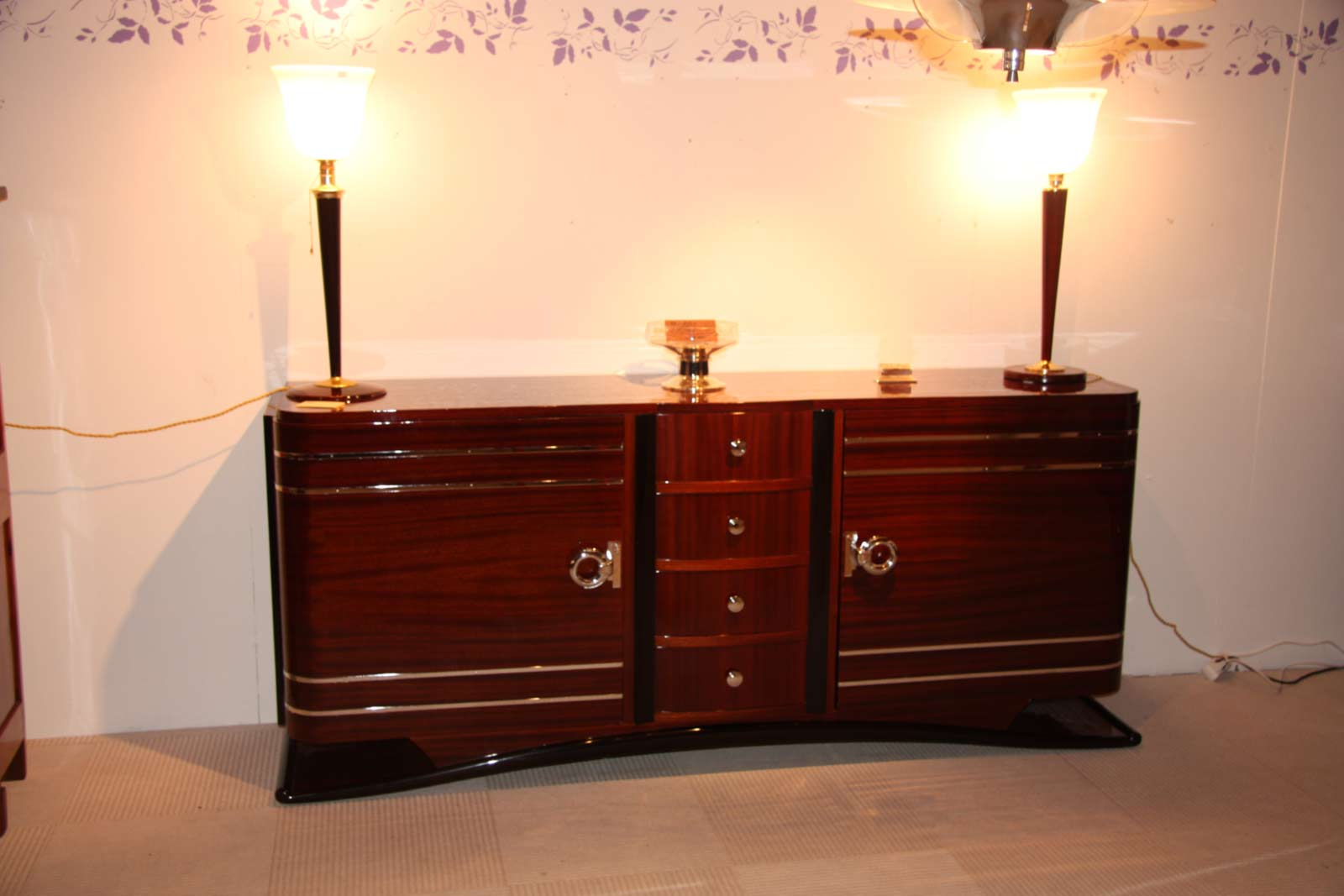 enfilade sideboard en acajou art d co ref enf 11 esprit art d co vente meubles art d co 1930. Black Bedroom Furniture Sets. Home Design Ideas