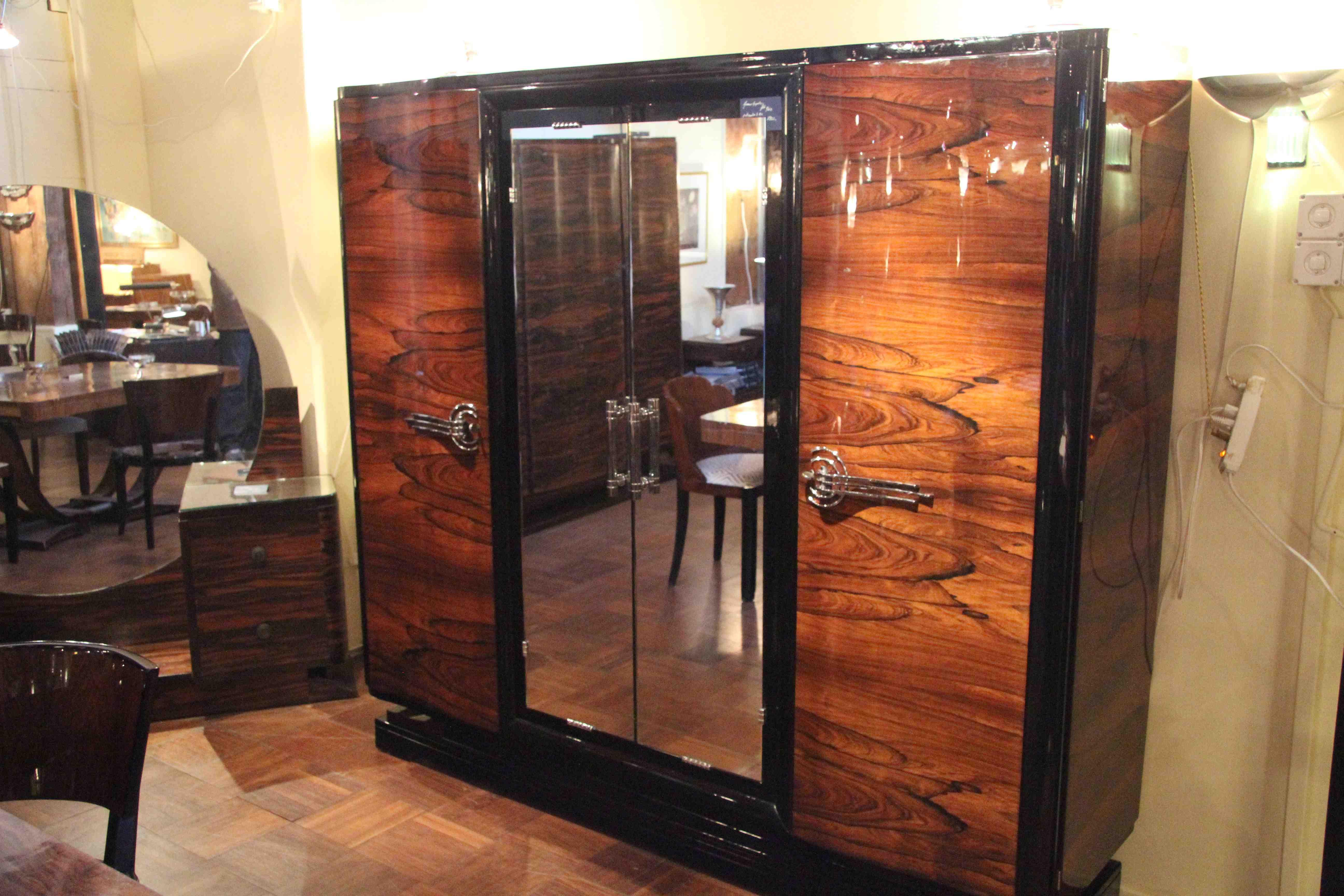 armoire art d co en palissandre de rio art deco dressing. Black Bedroom Furniture Sets. Home Design Ideas